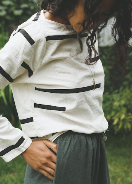 Uzi - Long Sleeve Tee in Cream Broken Stripe