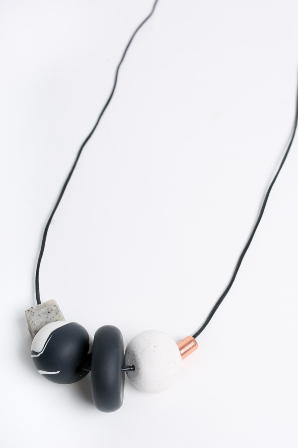 Pepper Train The Everyday Necklace in black/white/stone