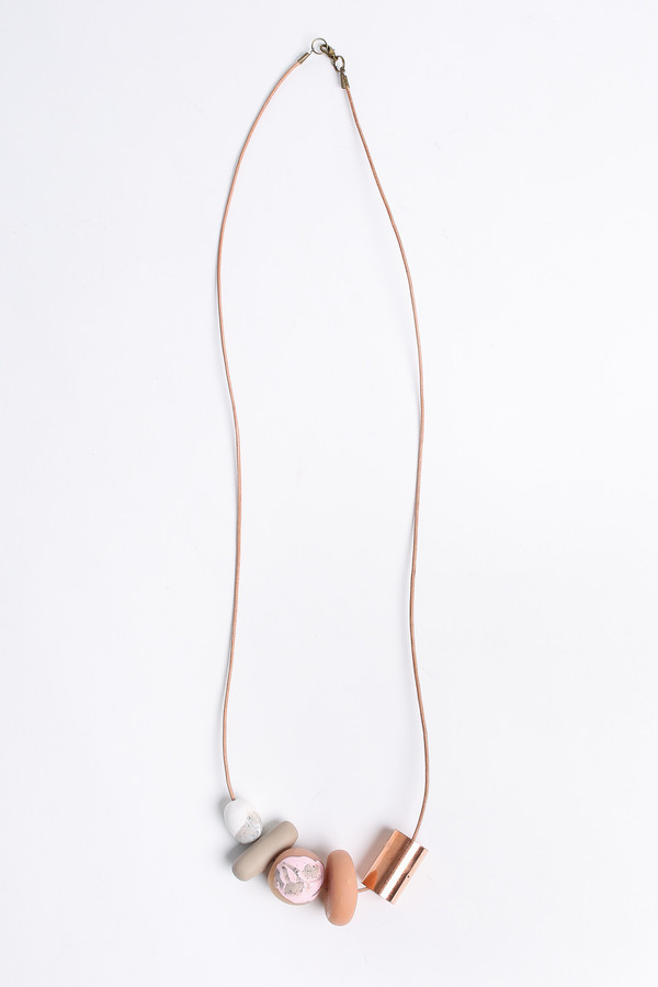 Pepper Train The Everyday Necklace in natural