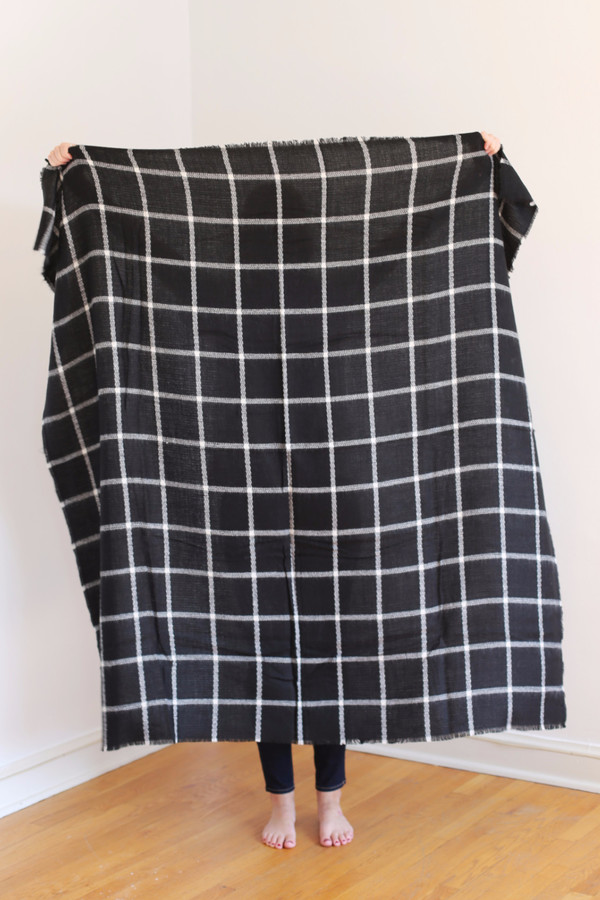 Buji Baja Windowpane Blanket Scarf Black