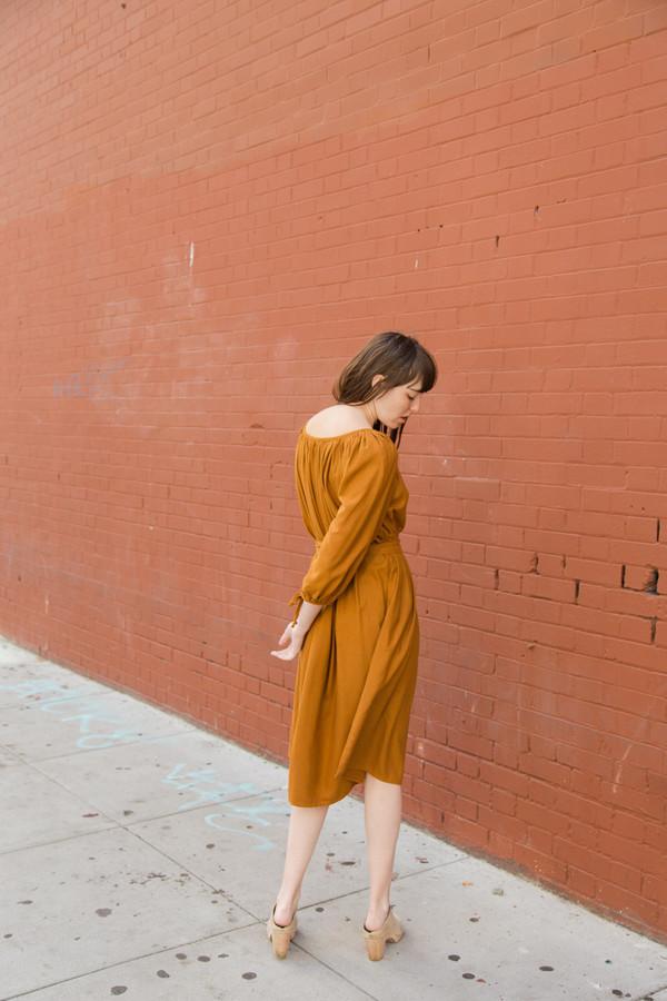 lindsay robinson hutton dress