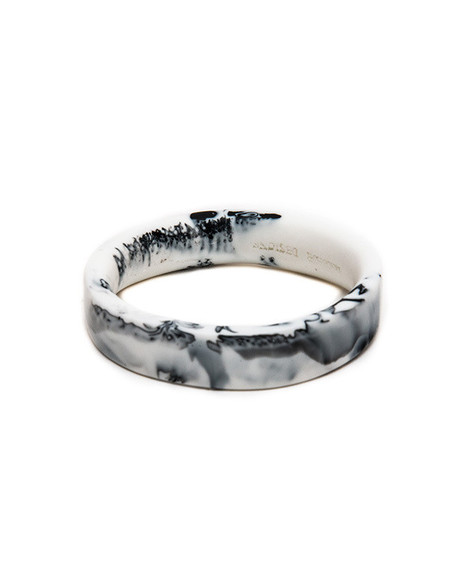 Dinosaur Designs Medium Bones Bangle in Black & Snow Swirl