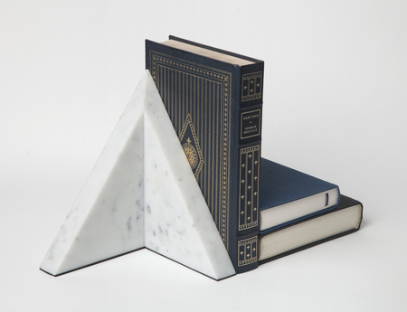 "Chen and Kai ""Monument"" Bookend"