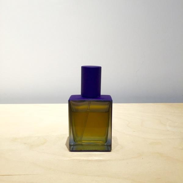 "Regime des Fleurs Perfume ""water/wood"""
