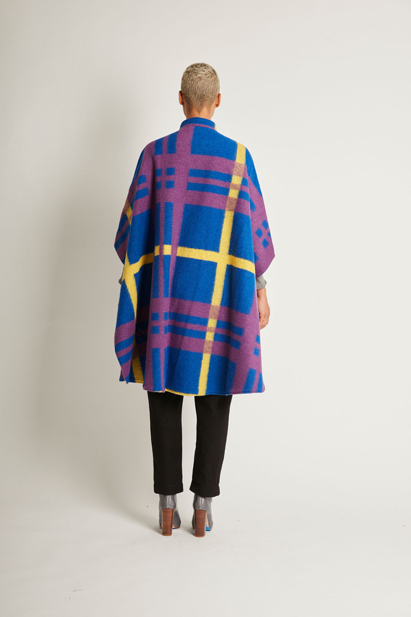 Kurt Lyle Berlyn Cape in Oslo Plaid