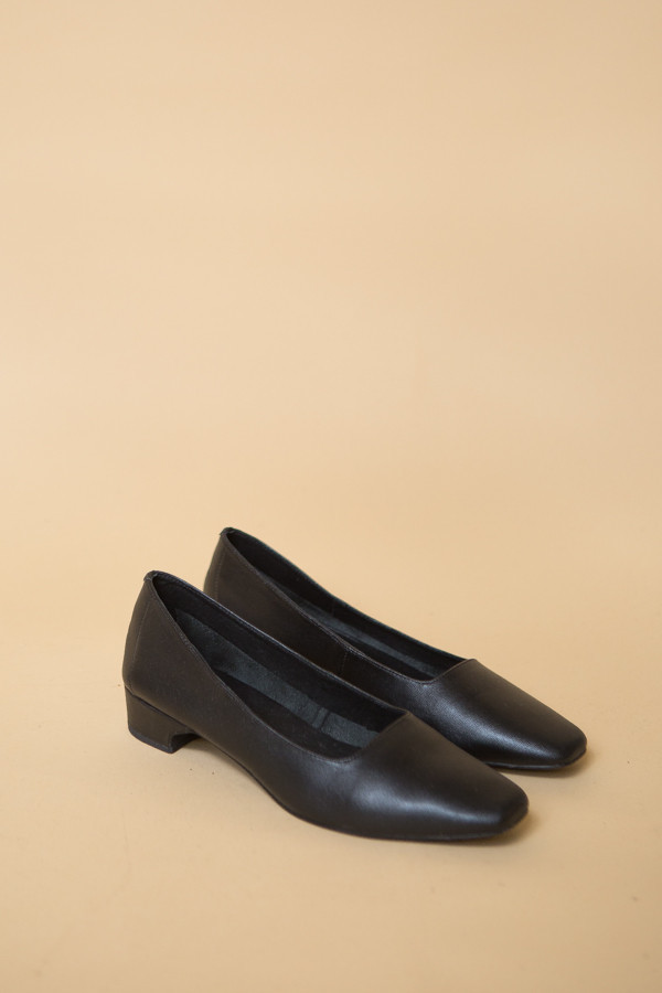 Intentionally Blank Yeah Heel / Black