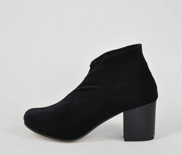 sano stretch bootie - black velvet