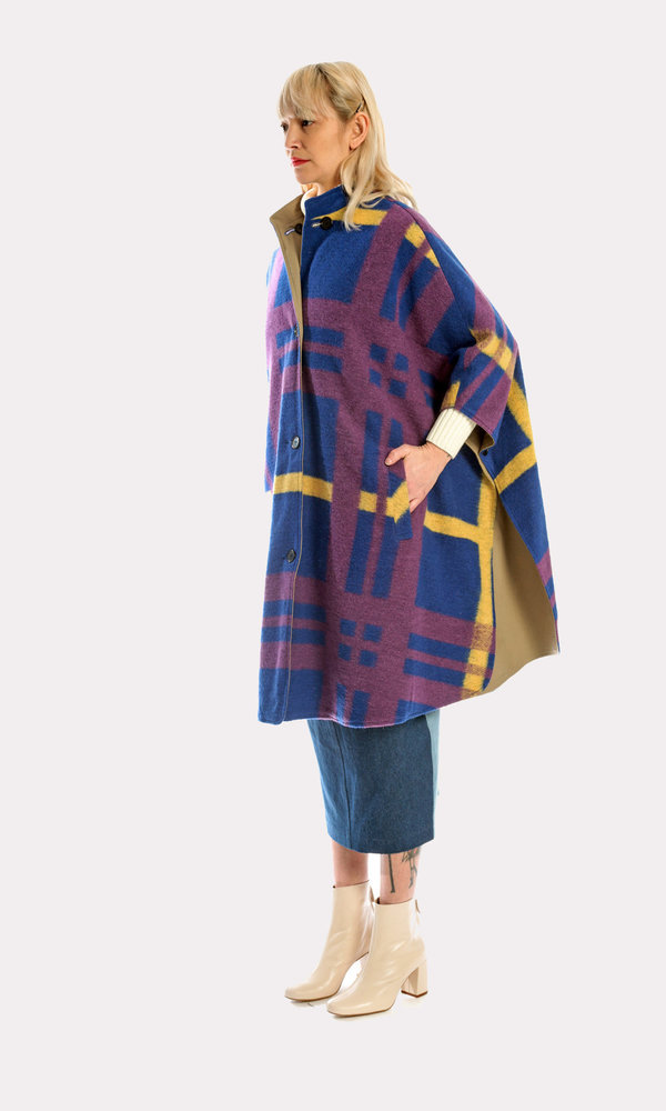 Kurt Lyle Berlyn Reversible Cape in Oslo Plaid