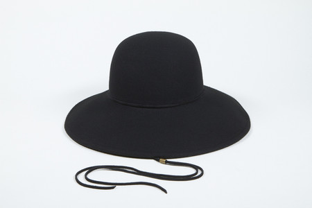 Clyde Ryo Hat in Black Wool w. Drawstring