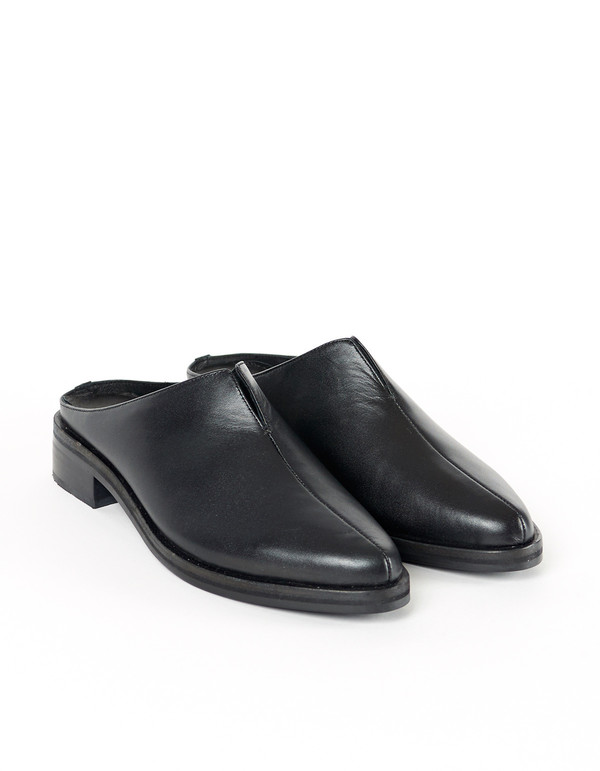 Intentionally Blank Split Mule Black