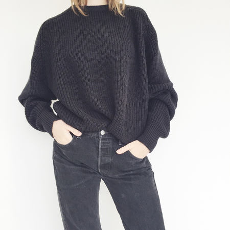 Johan Vintage Black Ribbed Crewneck Sweater