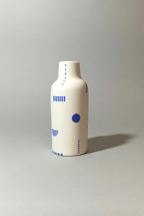 The Granite Bottle Vase, Beach Blanket - Klein Blue