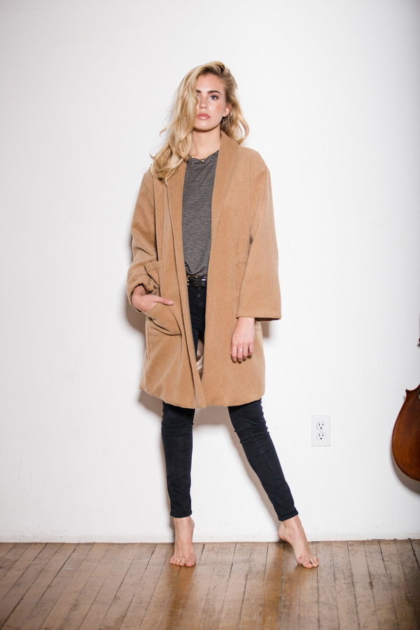 BETWEEN TEN Regina Wool Coat