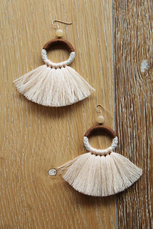 ora-c oly earrings in peach
