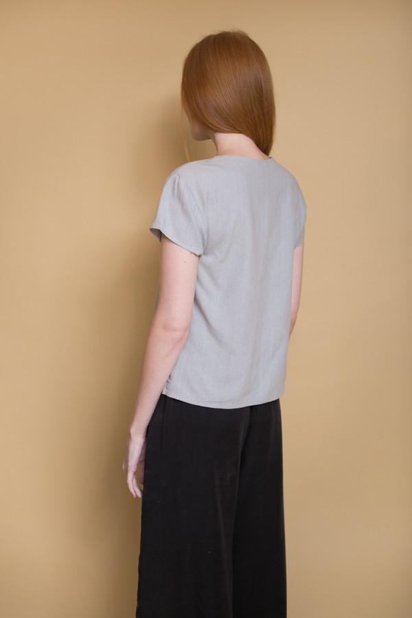 Ali Golden V-Neck Top / Grey