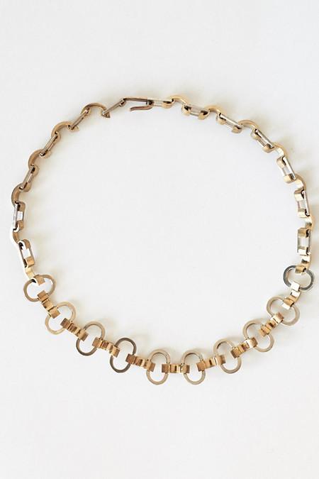 Samma White Bronze Loop Choker