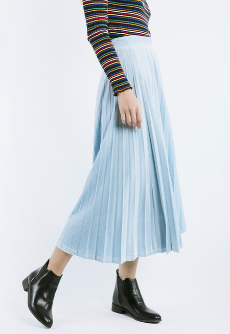 ROCKET X LUNCH Velvet Pleated Skirt in Sky Blue