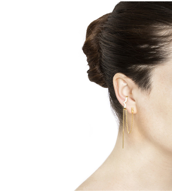 Maria Black Rose Hero Ear Cuff