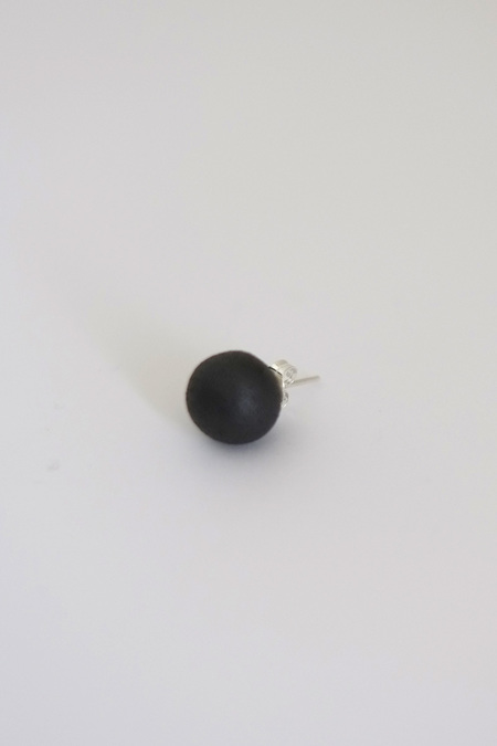 jujumade black porcelain ball earring