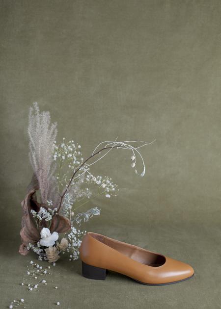 Anne Thomas Michele Shoe - Tan