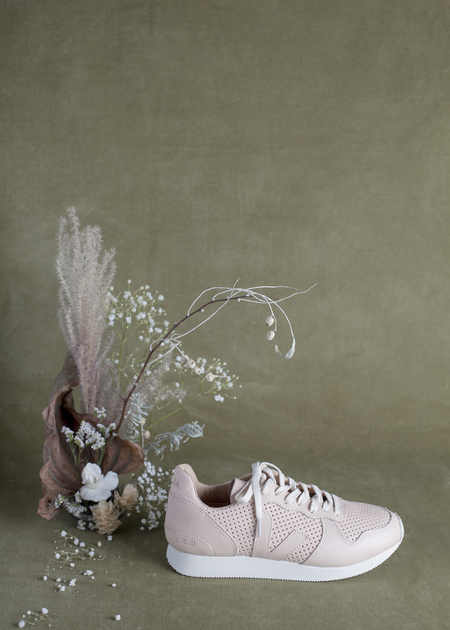 Veja Holiday Perforated Sneaker - Virgin