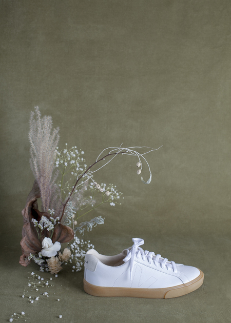 Veja Esplar -  White with Natural Sole