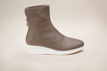 GRAY MATTERS Niko Furry Boot Taupe