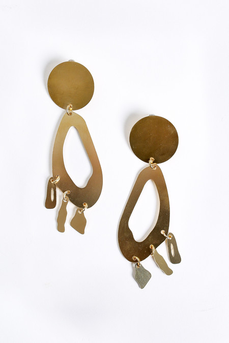 Modern Weaving Lobe chandelier earrings in brass