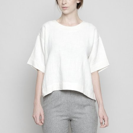 7115 by Szeki RELAXED BOAT-NECK TOP