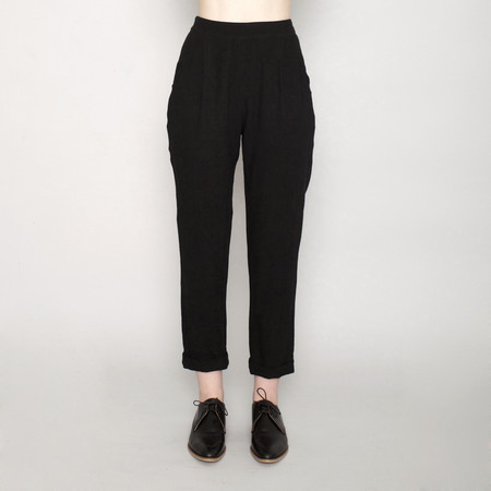 7115 by Szeki Signature Relaxed Tapering Trouser - Linen