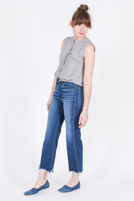 Vincetta Sleeveless Drape Pocket Shirt in Dove Grey