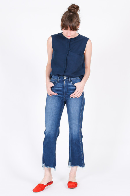 Vincetta Sleeveless Drape Pocket Shirt in Navy