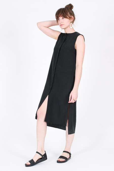 Vincetta Sleeveless Shirt Dress in Black