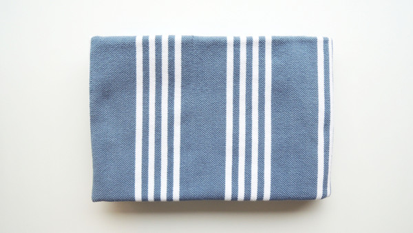 Tissage Magely Handwoven Wool Throw Blankets