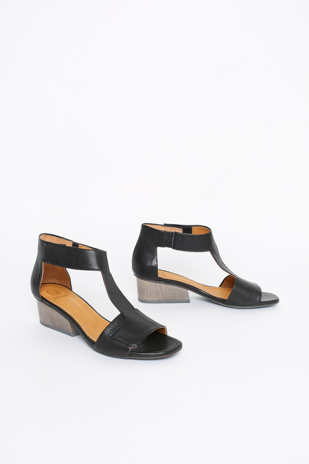 Coclico Ollie sandal in black