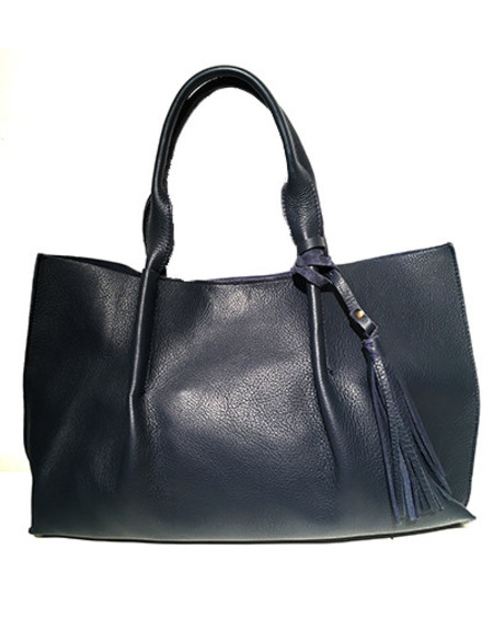 Oliveve isabel tote in navy pebble leather with leather tassel