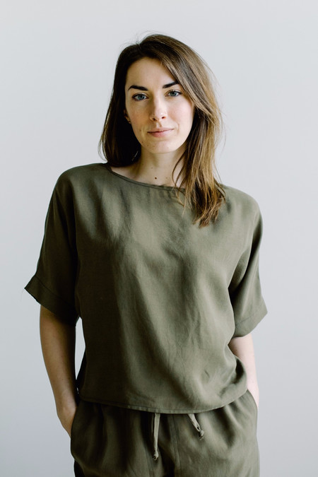 Hackwith Design House Raw Finish Tee - Olive Tencel