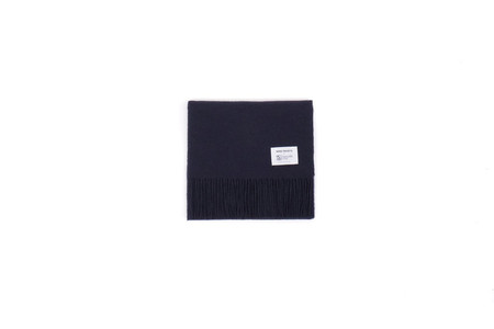 "Norse Projects X JOHNSTONS LAMBSWOOL SCARF ""NAVY"""