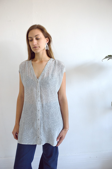 Ali Golden Button-Down Tunic in Grey Print