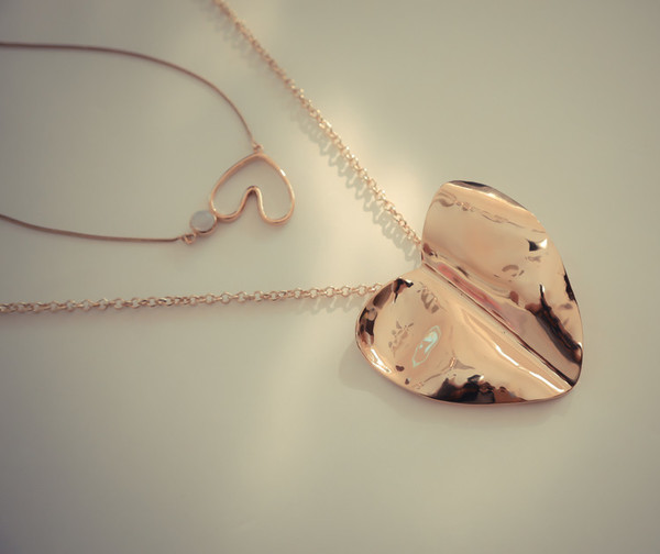 Bisjoux Beaten Heart Pendant Necklace