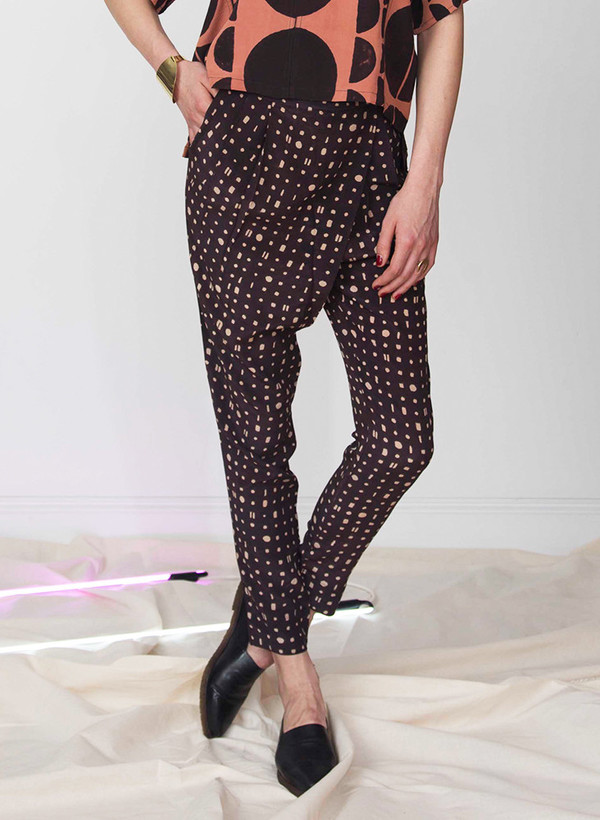 Seek Collective Madhavi pants | black/cream portals print