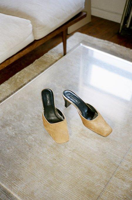 Vincetta Vintage 1990s Camel Unisa Square Toe Shoe