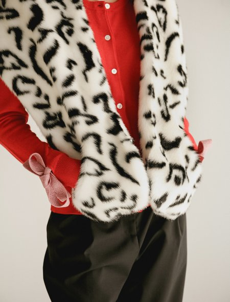 Shrimps Ange Snow Leopard Stole with Pockets