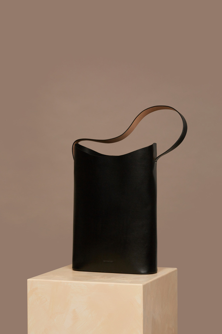 Building Block Wave Tote in Black