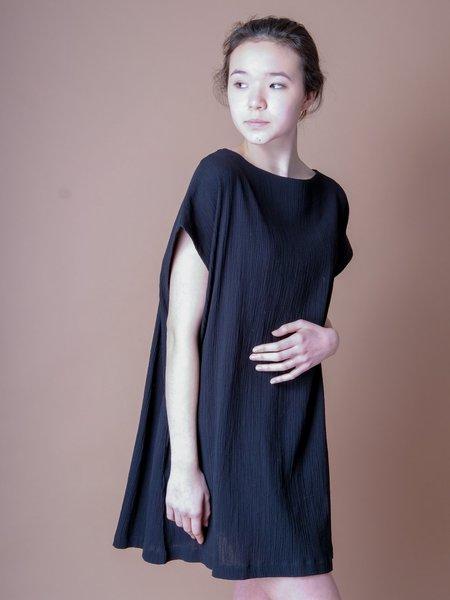 Sunja Link TUNIC DRESS IN BLACK CRINKLE COTTON