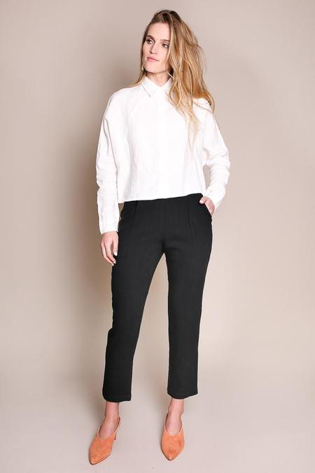 7115 by Szeki Cropped Linen Shirt in Off-White