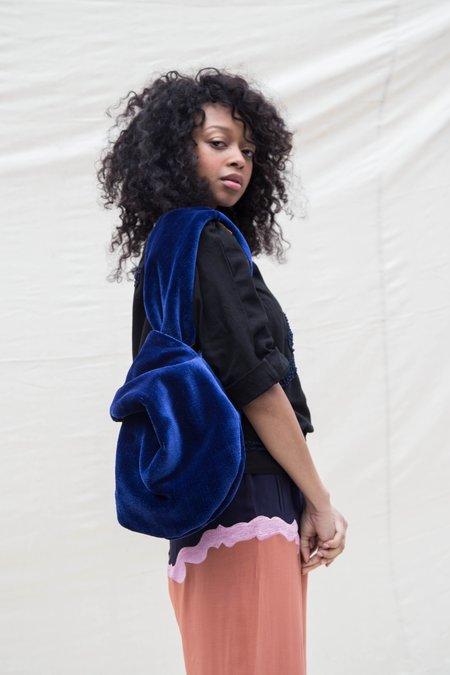 Nikki Chasin TOMA LOOP BAG - BLUE VELVET / DARK TROPICAL