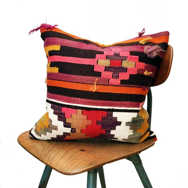 Valiente Goods Sophia Vintage Kilim Pillow Cover