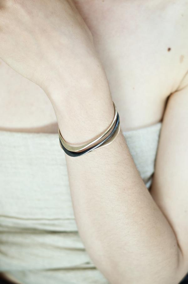 Uni Jewelry Wave Cuff - Bronze