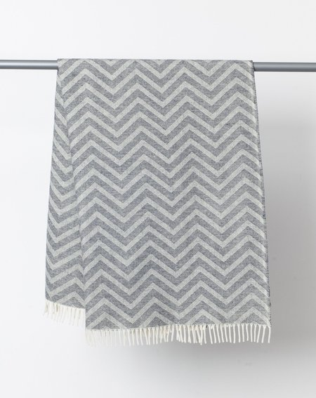 Faribault Woolen Mill Zig Zag Throw - Natural and Grey